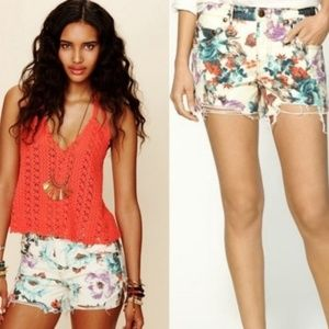 FREE PEOPLE Floral Cutoff Raw Hem Denim/Jean Short